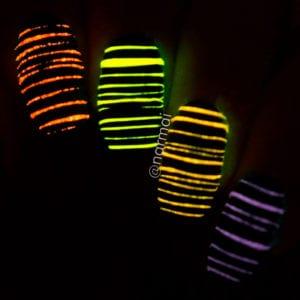 unhas decoradas que brilham no escuro 1