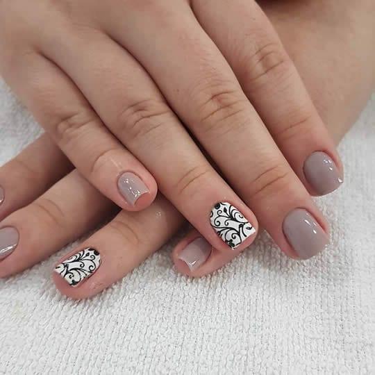 formato das unhas dedo curto e grosso
